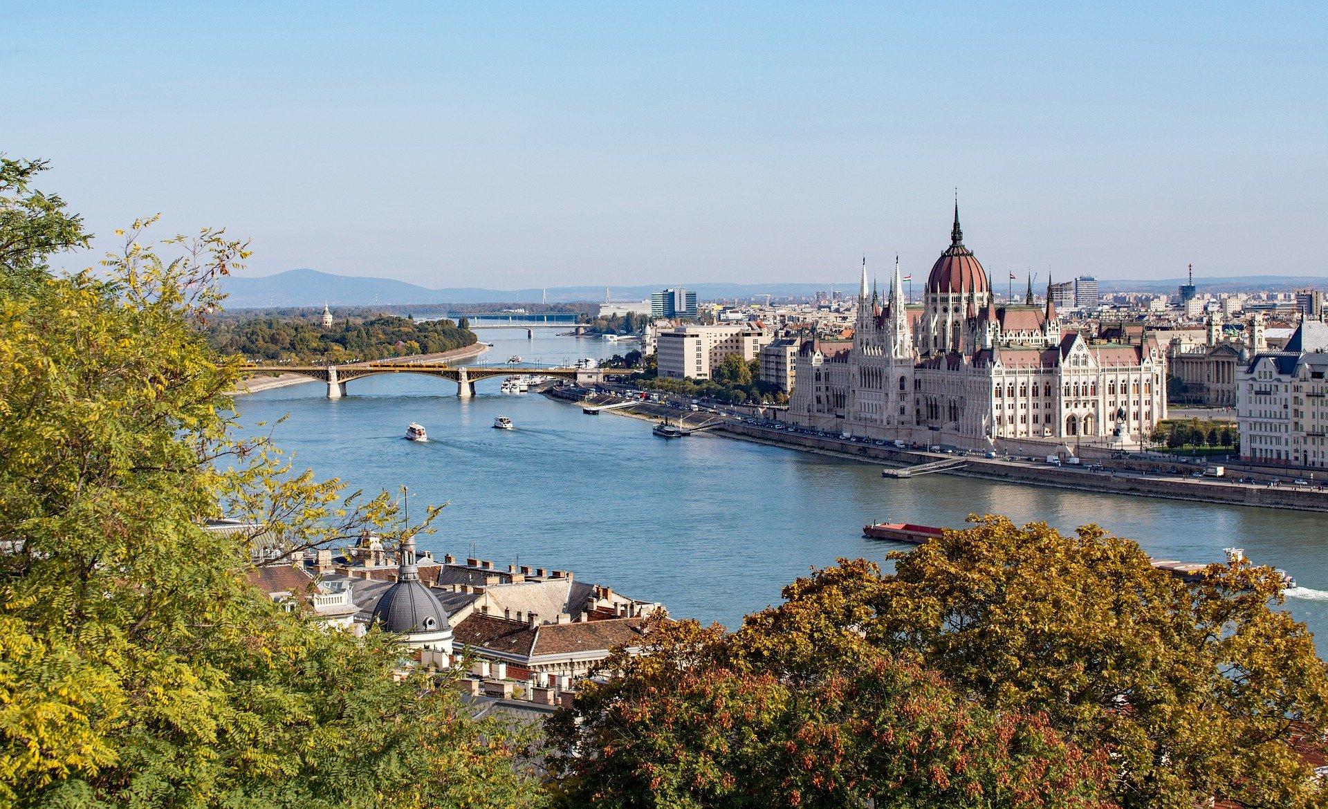ハンガリー風景